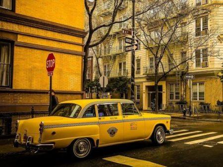 coche taxi a pedales amarillo niño 2 años