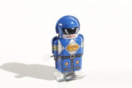 mini robot metalico antiguo